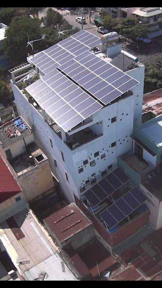 pin-năng-lượng-mặt-trời-370w